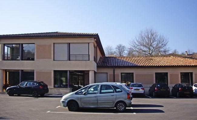 "<h3> Sarlat-la-Canéda</h3>    <a href=""http://www.groupe-ece.com/sarlat/"">bureaux-expert-comptable</a>"
