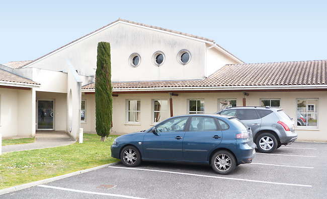 "<h3> Villeneuve-sur-Lot</h3>    <a href=""http://www.groupe-ece.com/villeneuve-sur-lot/"">parking-Villeneuve</a>"